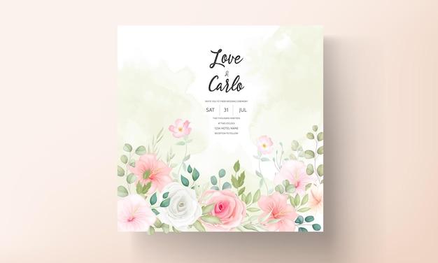 Mooie huwelijksuitnodiging met prachtige bloemen Premium Vector
