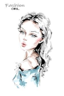 Mooie jonge vrouw met lang blond haar