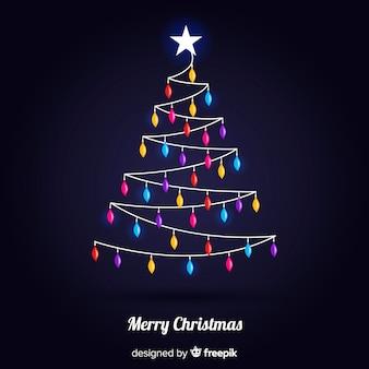 Mooie kerstboom met kleurrijke lichten