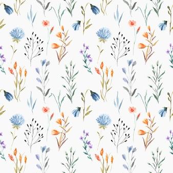 Mooie naadloze bloemenwaterverf met bladeren op blauwe achtergrond