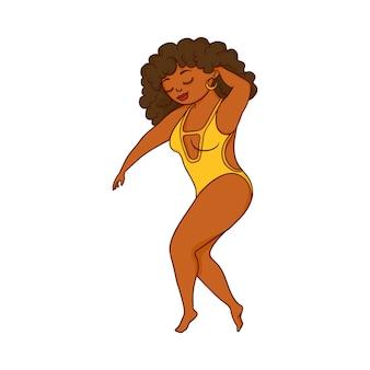 Mooie vrouw met plus size krullen in een zwembroek.