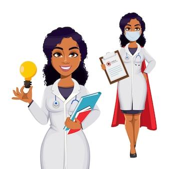 Mooie vrouwelijke arts die witte jas draagt met stethoscoop