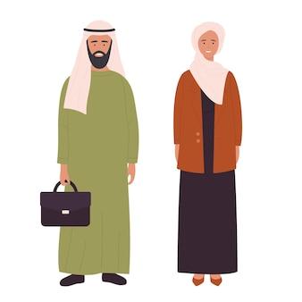Moslim volwassen gezin of paar mensen arabische jonge man en vrouw staan samen