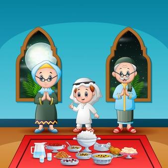Moslimfamilie die iftar-partij viert