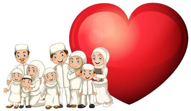 Moslimfamilie in wit kostuum en rood hart