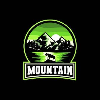 Mountain lake tree en moose embleem