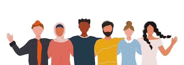 Multiraciale groep mensen die elkaar omarmen