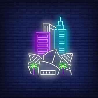 Muziekcentrum van los angeles en neonlichten van stadshuizen. bezienswaardigheden, toerisme, reizen.