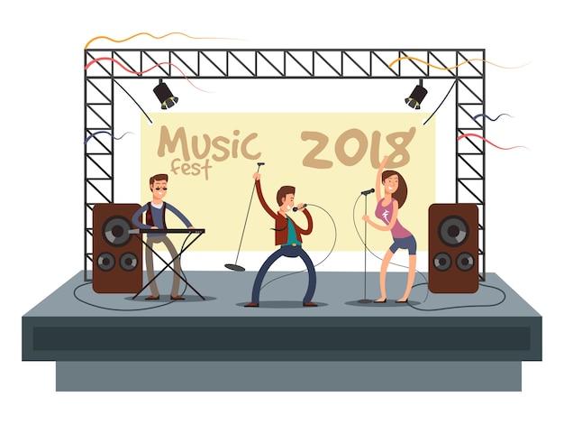 Muziekfestivalconcert met popmuziekband die muziek speelt