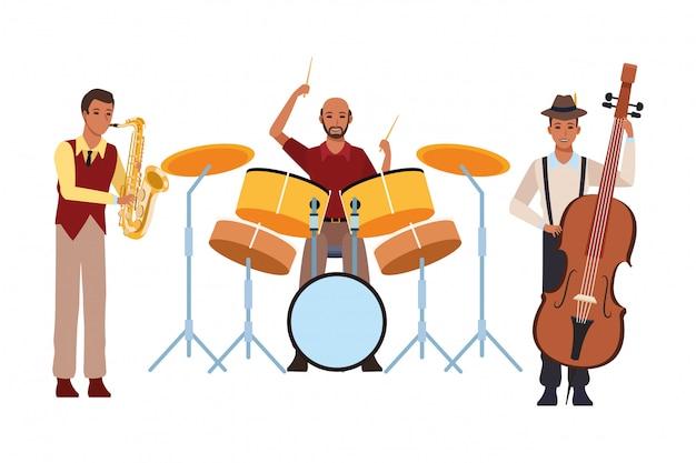 Muzikant speelt saxofoon drums en bas