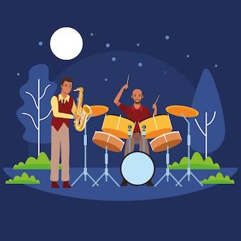 Muzikant speelt saxofoon en drums