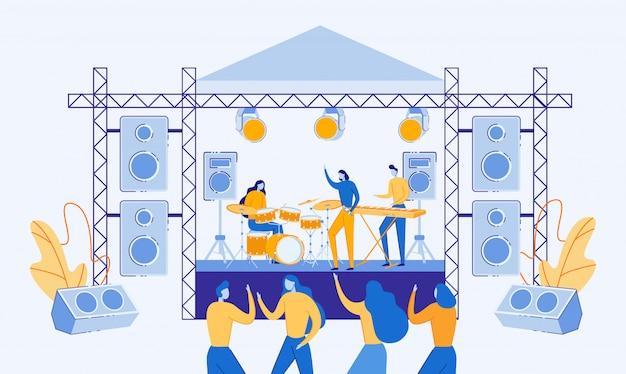 Muzikanten spelen en zingen op het podium.