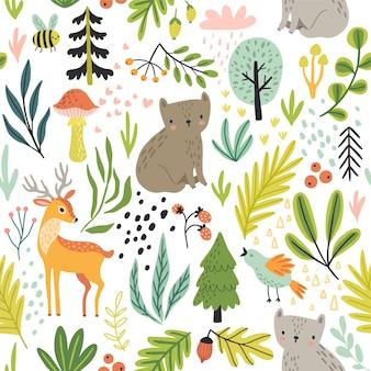 Naadloos bospatroon met wilde dieren planten bomen en andere elementen. leuke hand getrokken illustratie