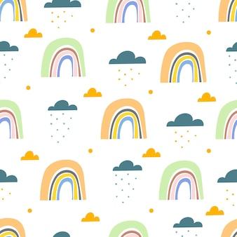 Naadloos patroon met cartoon regenbogen en wolken