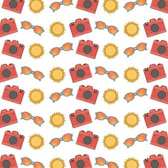 Naadloos patroon met fotocamera, zonnebril en zon
