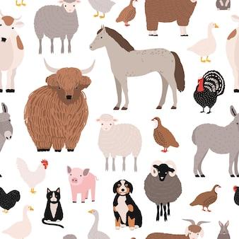 Naadloos patroon met gedomesticeerde boerderijdieren en vogels