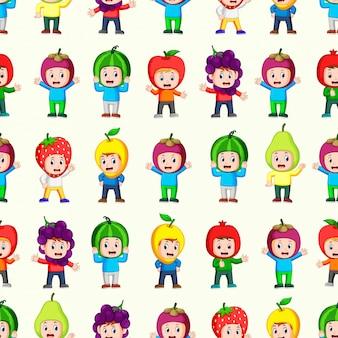 Naadloos patroon met gelukkige kinderen die fruitkostuum gebruiken