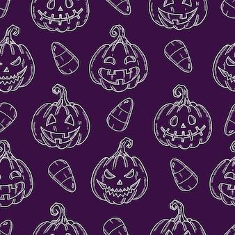 Naadloos patroon met halloween-pompoen jack en snoepgraan in schetsstijl.