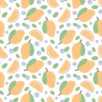 Naadloos patroon met mango, sinaasappelschijfje, bosbessen en groene bladeren