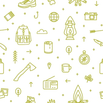 Naadloos patroon met wandel- en toeristische uitrusting en hulpmiddelen voor kampeertrip en reizen getekend met groene contourlijnen op witte achtergrond. monochroom vectorillustratie in trendy lijn kunststijl
