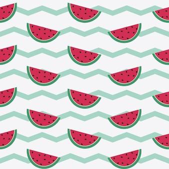 Naadloos patroon met watermeloenplakken. vectorzigzagachtergrond. rood fruit op groene stroken.
