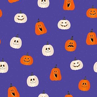 Naadloos patroon op een paarse achtergrond. oranje en witte pompoenen. angstaanjagende grimassen. verschillende emoties. halloween. vectorillustratie in een vlakke stijl. voor inpakpapier, textiel, design
