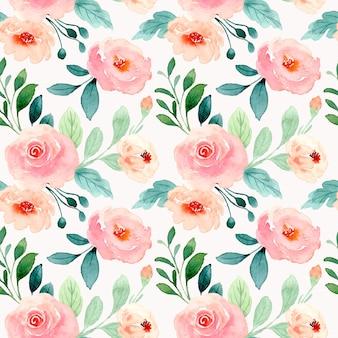 Naadloos patroon van blozen bloemen en groene bladeren met aquarel