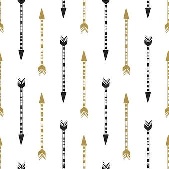 Naadloze achtergrond van vintage pijl in zwarte en gouden kleuren. hand getrokken pijlen vector