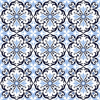 Naadloze achtergrond, vintage spiraalvormige ronde blauwe caleidoscoop bloemenpatroon.