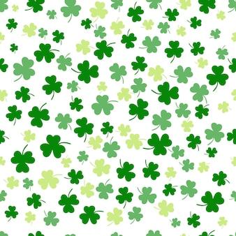 Naadloze klaverblad plat ontwerp groene vallende achtergrond patroon vectorillustratie