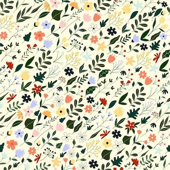 Naadloze patroon met schattige hand getrokken paarse bloemen en bladeren.