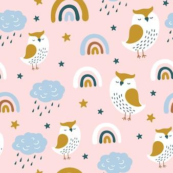 Naadloze patroon met schattige uil en regenboog.