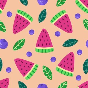 Naadloze patroon van handgetekende watermeloen plakjes bosbessen en bladeren moderne vlakke afbeelding