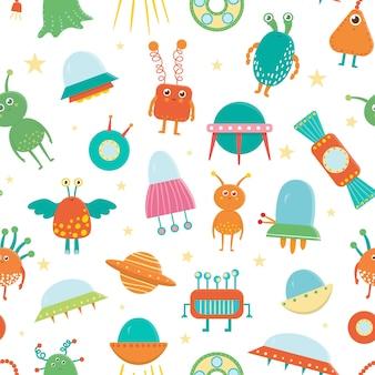 Naadloze patroon van schattige aliens, ufo, vliegende schotel voor kinderen. heldere en grappige platte illustratie van lachende buitenaardse wezens op witte achtergrond. ruimtebeeld voor kinderen.