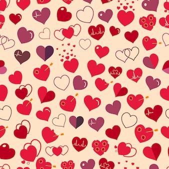 Naadloze patroon van verschillende eenvoudige rode en kastanjebruine harten op beige achtergrond. plat ontwerp