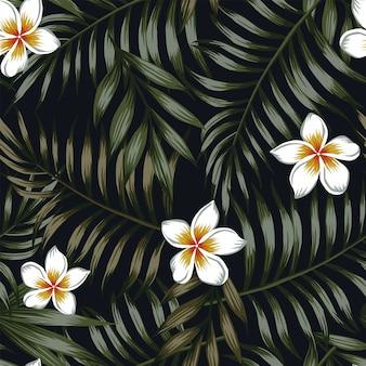Nachtachtergrond van tropische bladeren en bloemen