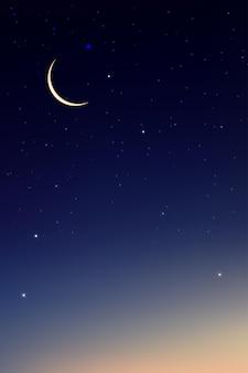 Nachtelijke hemel met halve maan en sterren schijnt