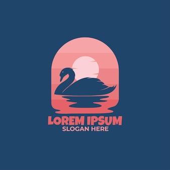 Nachtzwaan die platte logo-stijl zwemt