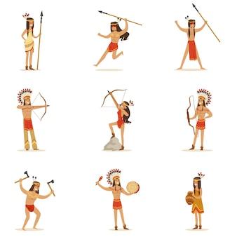Native american stamleden in traditionele indiase kleding met wapens en andere culturele objecten serie stripfiguren