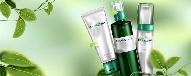 Natuurlijk huidverzorgingsproduct pakketontwerp en bladeren met bokehachtergrond