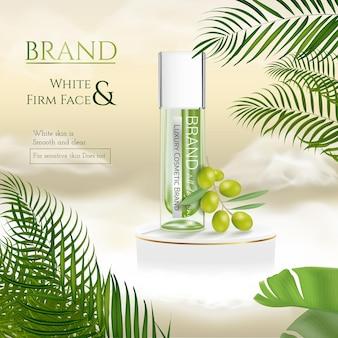 Natuurlijke huidverzorgingsproducten in groen met tropische zomerbladeren en podium op gouden wolk