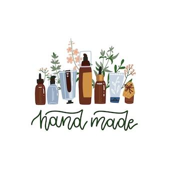 Natuurlijke organische schoonheidsmiddelen die zich op witte achtergrond bevinden. flessen, potten, tubes lotion, crème, olie