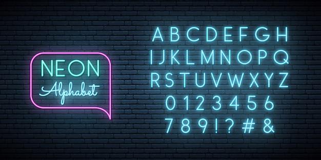 Neon blauw lettertype.