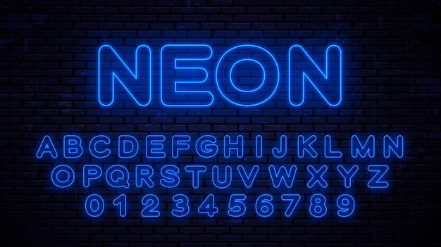 Neonblauwe hoofdletters en cijfers. gloeiend lettertype in stijltechnologie