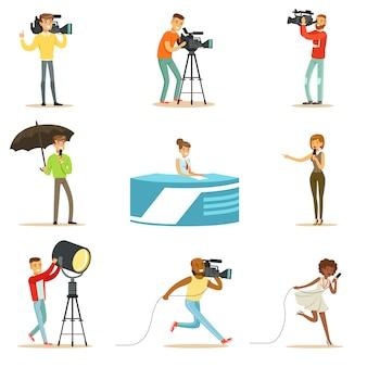 Nieuwsprogramma crew van professionele cameramannen en journalisten die tv-uitzendingen maken