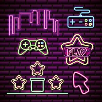 Objecten zoals sterren, skyline in neonstijl, gerelateerde videogames