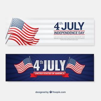 Onafhankelijkheidsdag banners met decoratieve vlaggen
