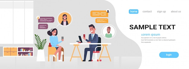 Ondernemers koppelen chatten app op digitale apparaten sociale netwerk chat bubble communicatieconcept