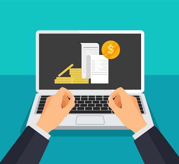 Online bankieren en betalen. laptop met ontvangstbewijs en muntstukken op een vertoning.