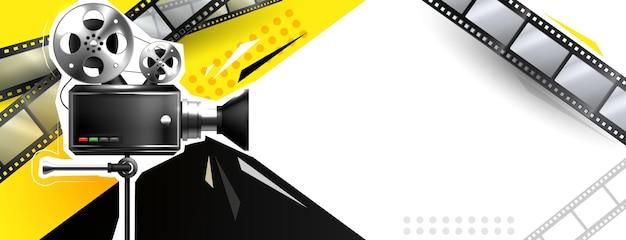 Online bioscoopkunstfilms kijken met een projector Gratis Vector